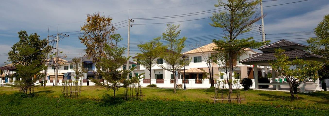 Little sweet home - Tambon Samet - บ้าน