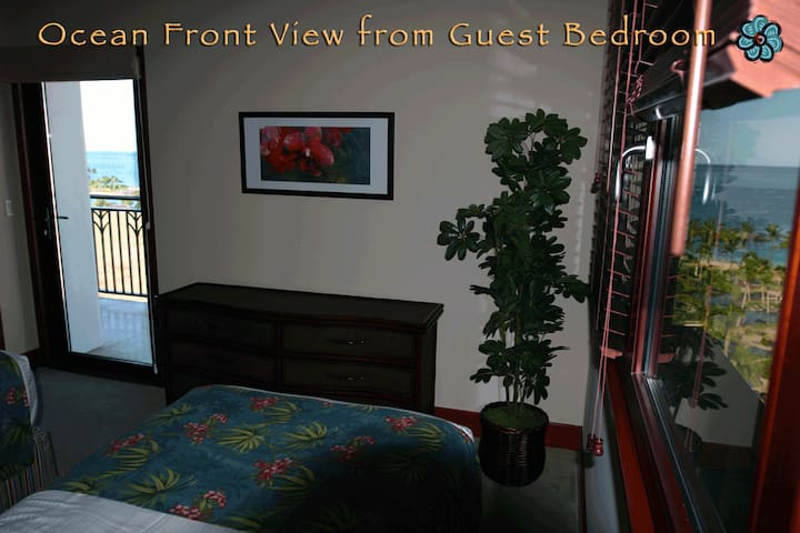 The guest bedroom can be configured with either two twins or a king bed and has unobstructed ocean views with it's own private ocean facing lanai.