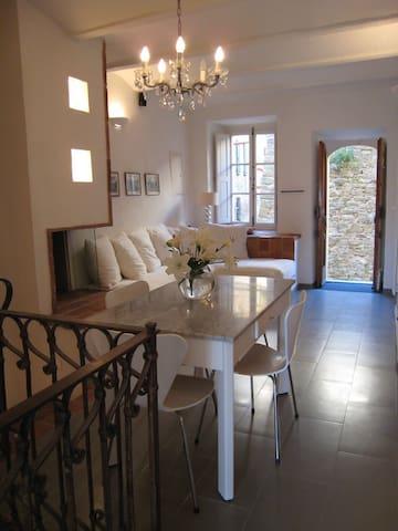 Designed Tuscan Town House  - Monte San Savino - Haus