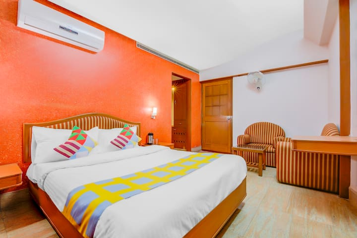 OYO Elegant stay 1BR Home near Thiruvanmiyur Beach