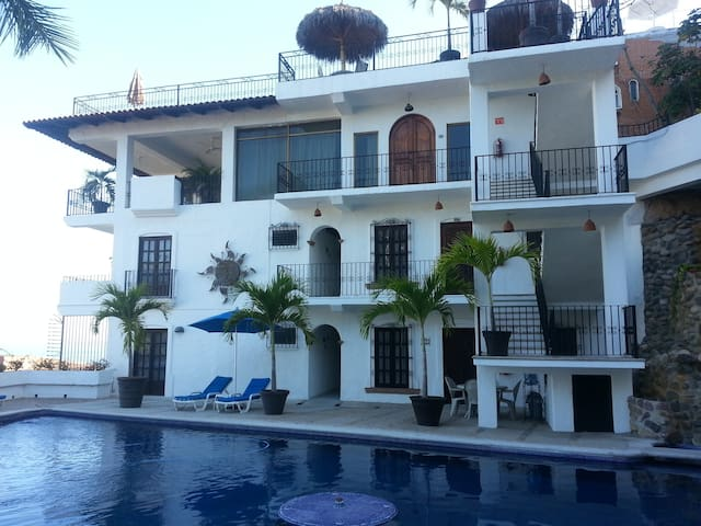 Huge studio condo in Zona Romantica - Puerto Vallarta - Appartement