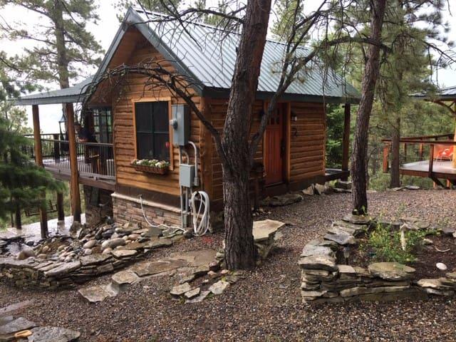 Rustic Cabin 7 - Fishing, Hiking & Romance