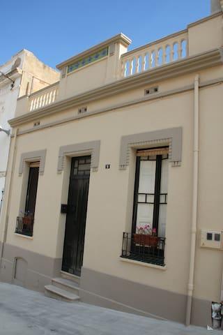 Casa con jardín exterior en Portbou (Costa Brava)