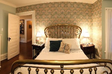 The William Morris Room - Midland