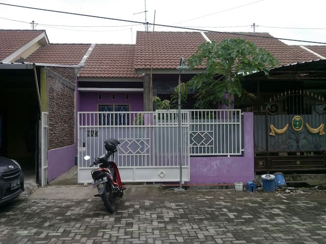 Rumah Minimalis Asri dan Tenang - East Semarang - Maison