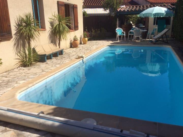 Céret Villa jardin piscine 7mn pied centre ville