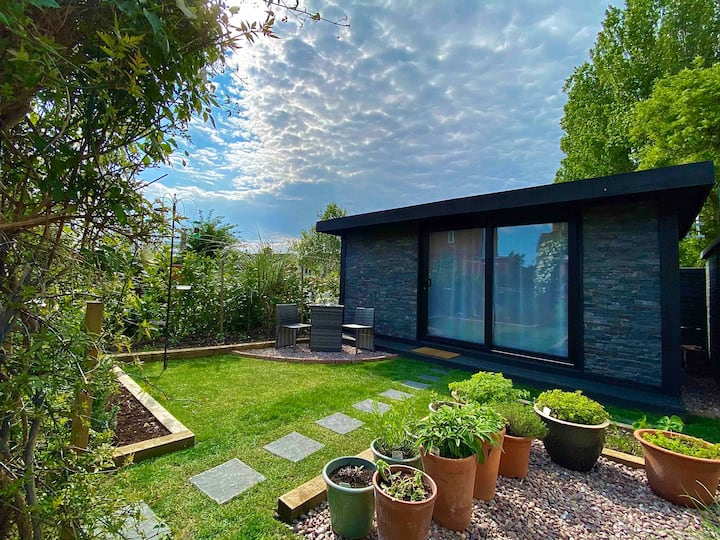 Garden Studio on the edge of the Cotswolds