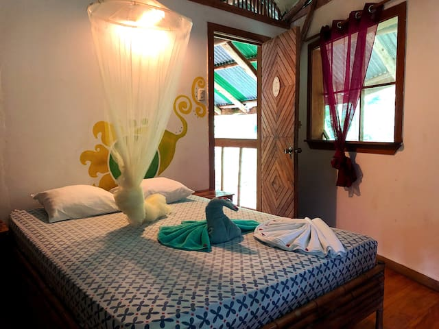 Tree house style double room w/ private bath