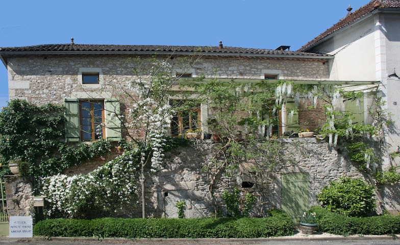 Chateau view&vineyards+art:double 1 - Anglars-Juillac - Bed & Breakfast