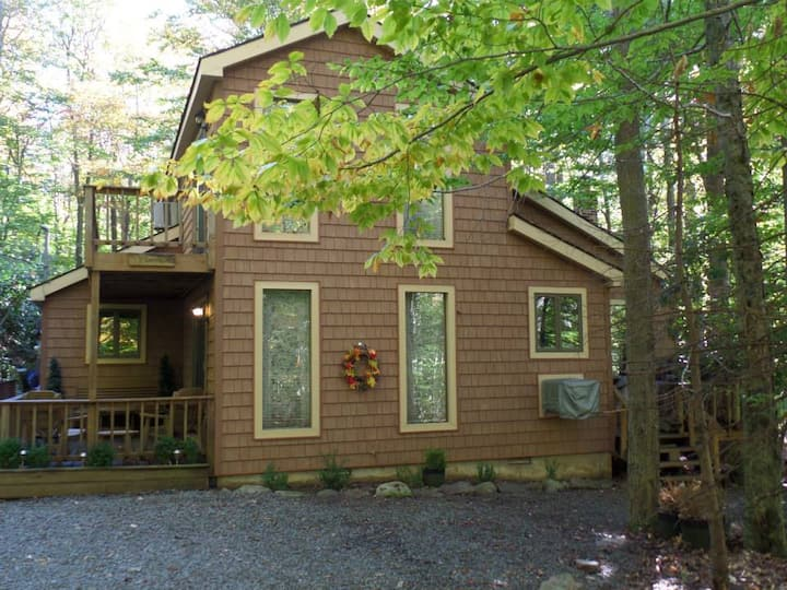 Home away in the Poconos ****** wifi******