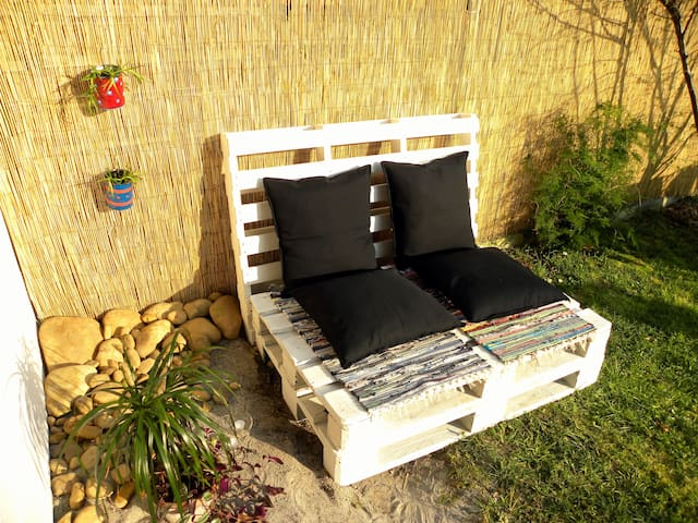 Cozy house chill out garden & BBQ - La Cueva - Apartamento
