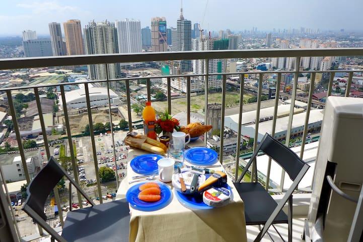 Corner-condo with fantastic view Ortigas, Manila - มะนิลา - (ไม่ทราบ)
