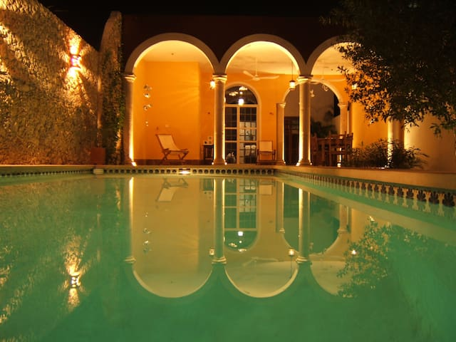 Quiet house with pool in Centro - Merida - House