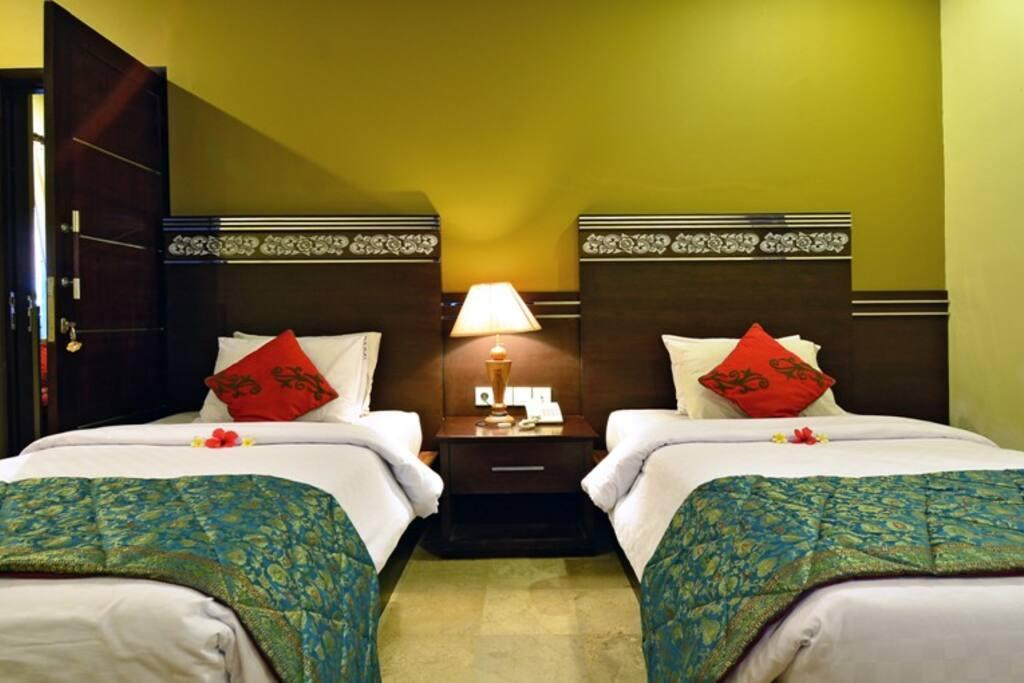 Super  Deluxe Room ( twin bed )