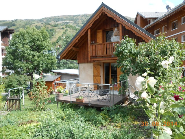 Valloire chalet individuel  6 pers - ヴァロワール - スイス式シャレー