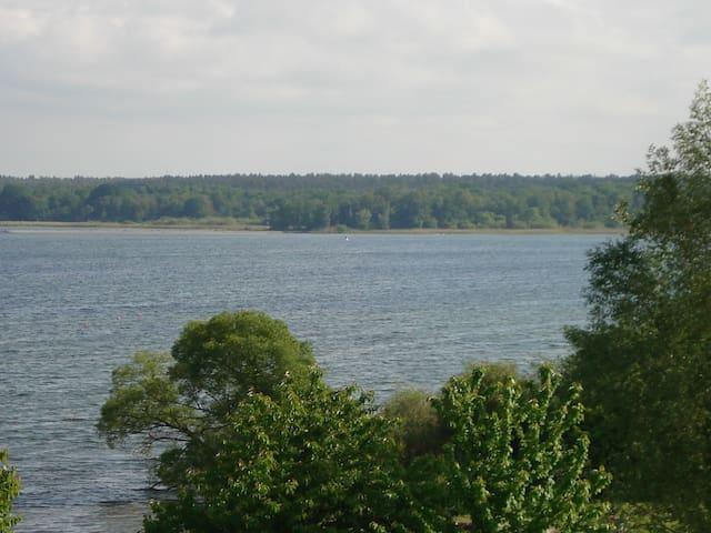 Fewo mit großer Terrasse zum See - Göhren-Lebbin