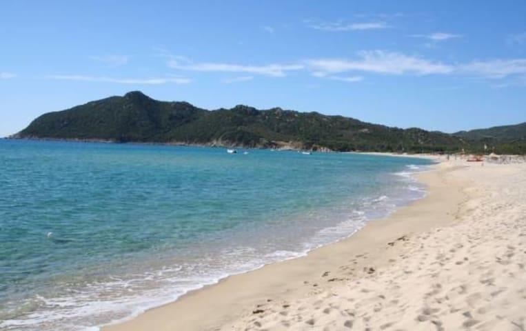 Confortevole villa a pochi passi dalla spiaggia - Cala Sinzias, località Castiadas
