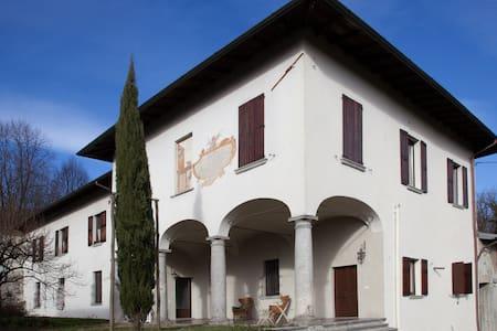 B&B Villa Natta - Uggiate Trevano