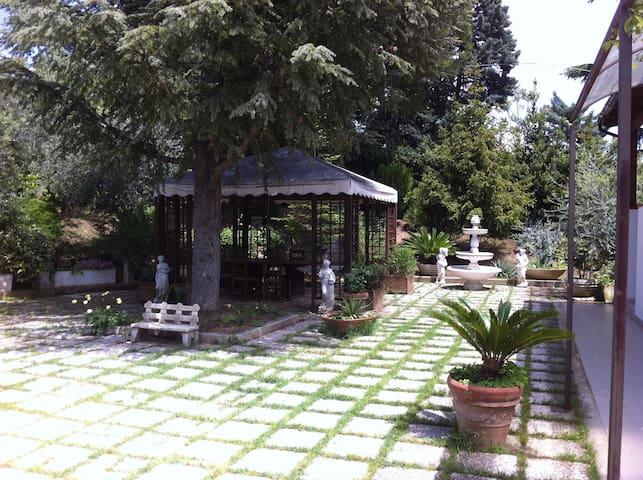 Appartamento in villa con giardino - Pescara - Huis