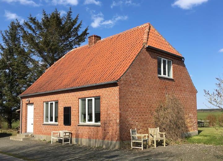 Lille murermestervilla ideel til familier og par