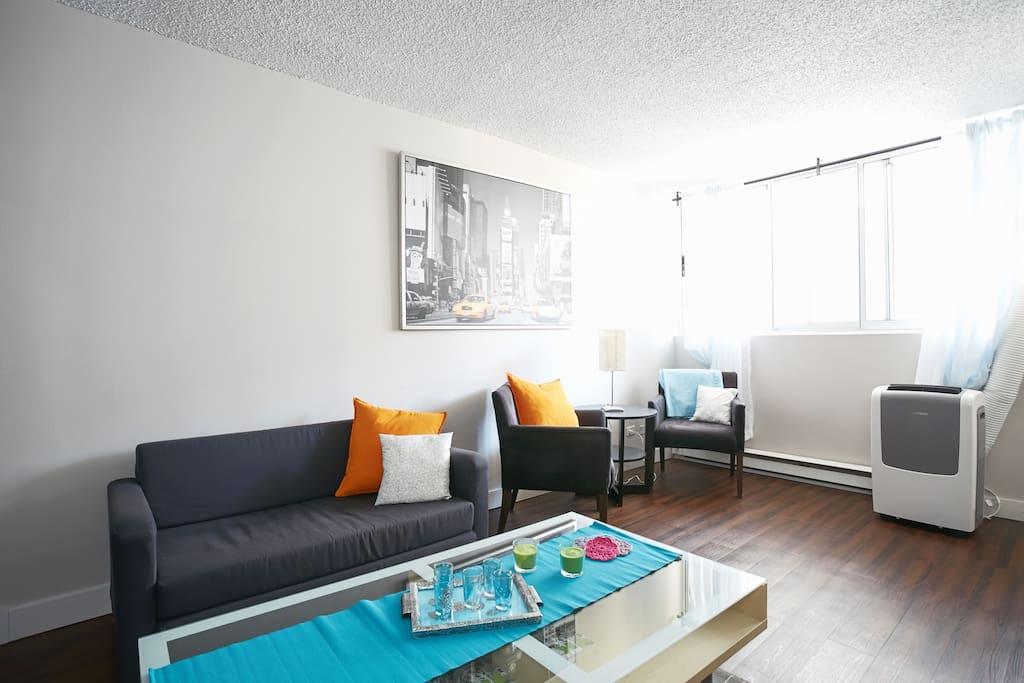 Petite lune centre ville avec parking gratuit for Appartement avec piscine montreal