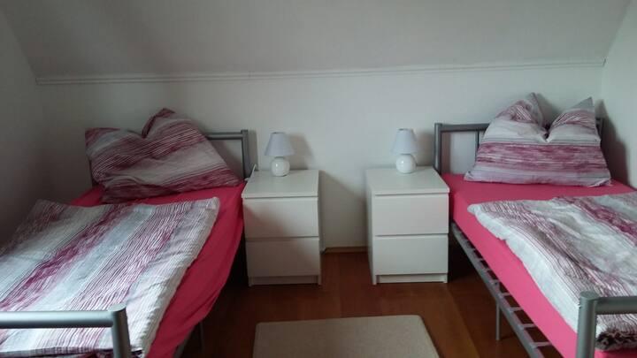 Neumünster Faldera - Haus Anja - Zimmer 2
