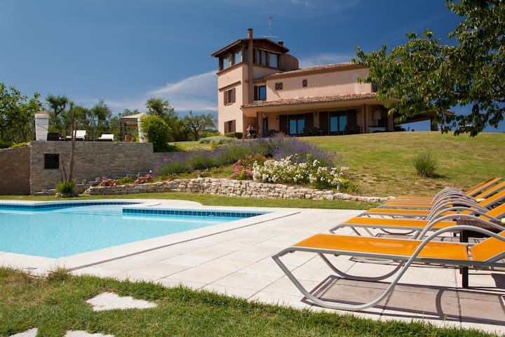SUITE ALTANA ONE MOMENT VERY RELAX - Montefiore Conca
