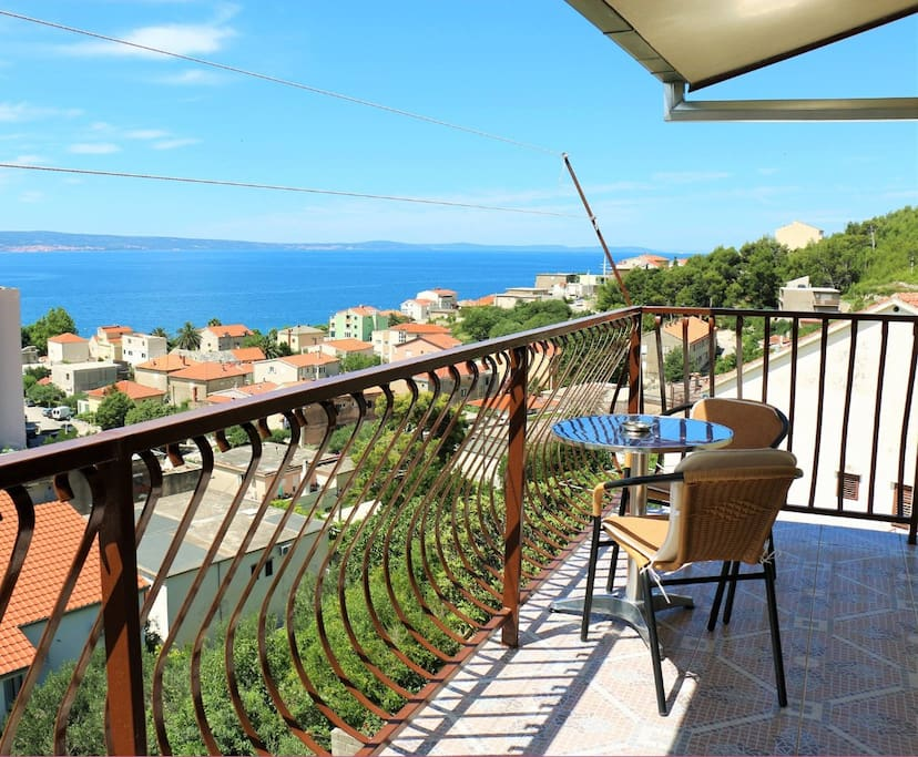 APARTMAN MARKO WITH GREAT VIEW ON SEA AND ISLANDS