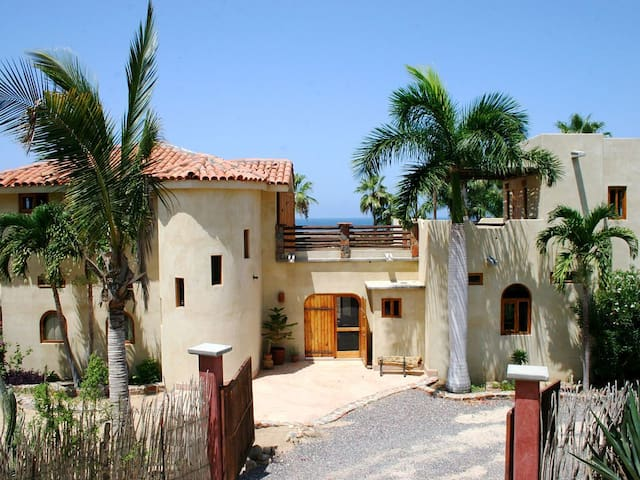 Magical Beach House with Unforgettable Ocean Views - Todos Santos - Casa