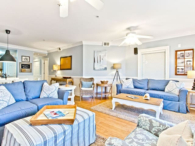 Premium Pool View Condo with Community Pool and 30 Yards to the Main Beach - Brass Rail 209