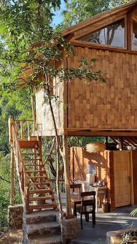 Gumi Ayu Treehouse & Spa - waterfall & valley view