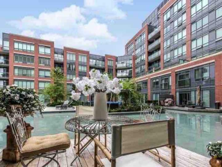 Exclusive  Furnished Toronto Condo