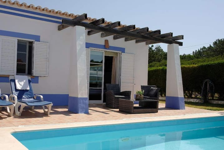 New: Rustic holiday villa with pool and garden