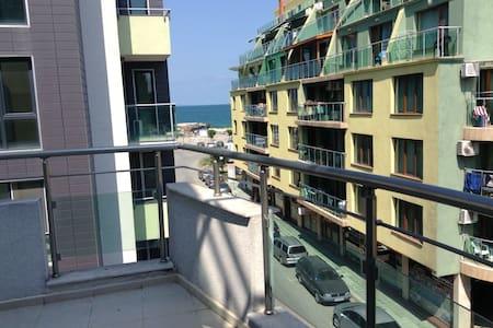 Апартамент с видом на море (3-комн) - Wohnung