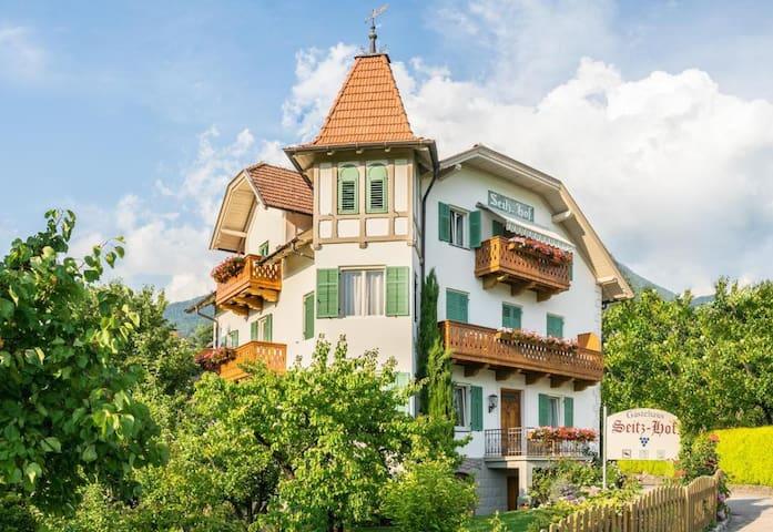 Schönes Doppelbettzimmer im Gästehaus Seitzhof