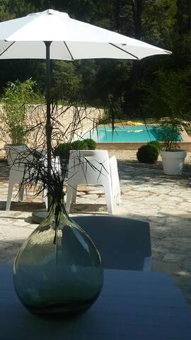 Vakker provencalsk bastide  - Villecroze - Villa