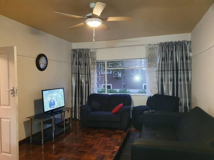 Spacious 101SQM Apartment on grnd flr with garage