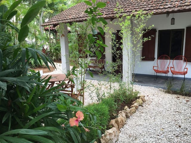 Casa Gitza Beach cottage, Montezuma with AC - Montezuma - Huis