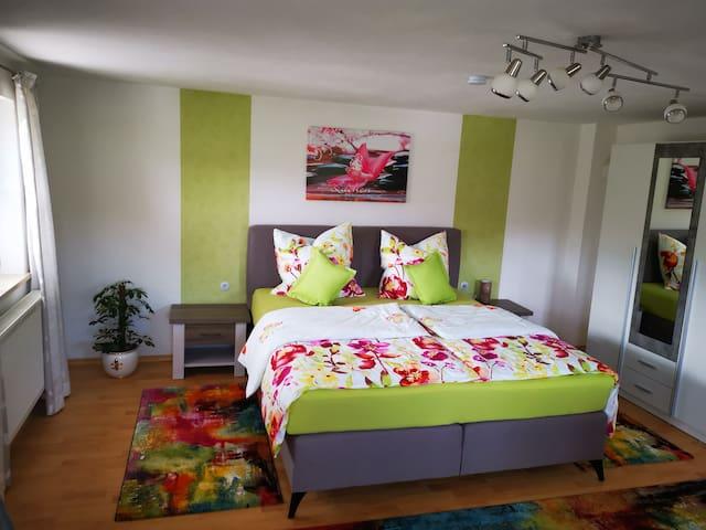 """Gästezimmer in idyllischer Lage """"ROWENA"""""""