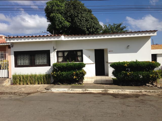Apartment for Rent in Managua - Managua - Apartment