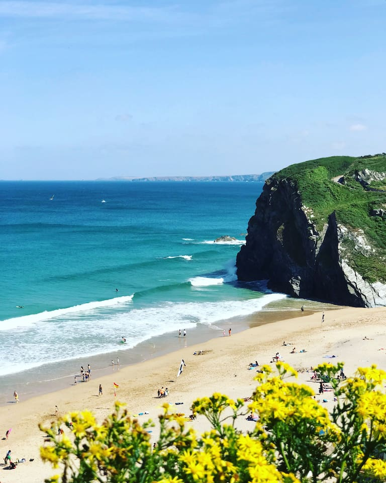 TOLCARNE BEACH - Local beach, only moments walk to the top of the road. Beautiful beach with spectacular views of the bay.