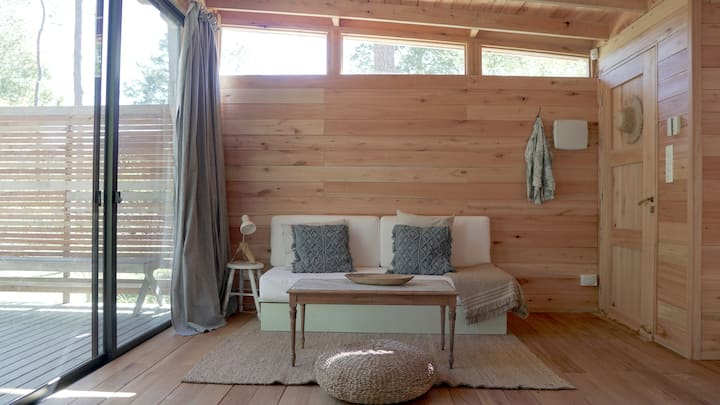 Cabin in the woods, 20 min. away from Punta