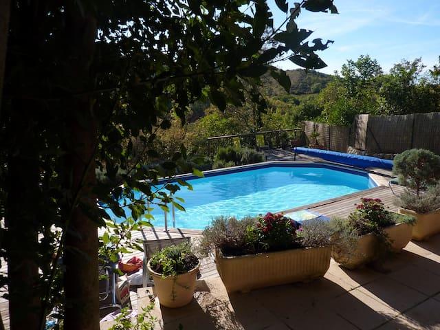 Les Collines. Village House 8 guests Garden Pool