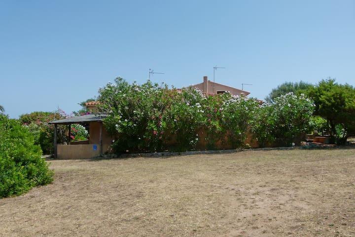 Casa Tommy - villetta vista mare - Terravecchia-portoquadro - Huis