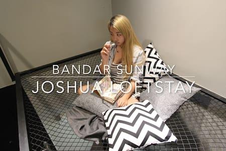 Opposite Sunway Pyramid - Joshua Loftstay | - Casa