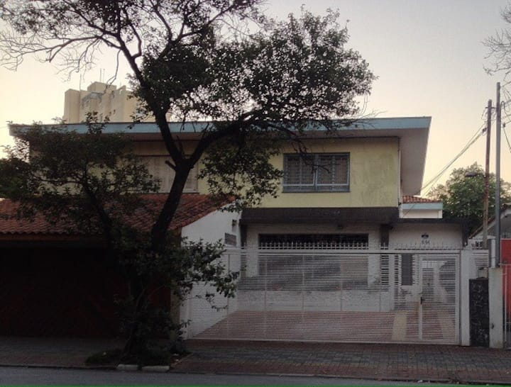 QC01.02 HOSTEL HOME2 ACADEPOL/USP/METRO BUTANTA