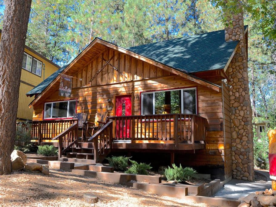 Forest chalet spa near snow summit cottages for rent in for Snow summit cabin