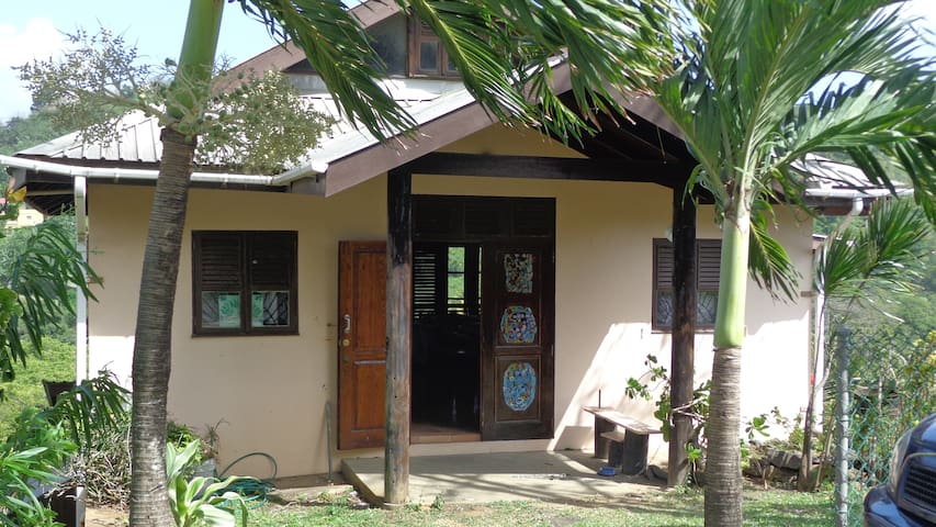 Room in Charming Caribbean Cottage - Grenadines - Talo