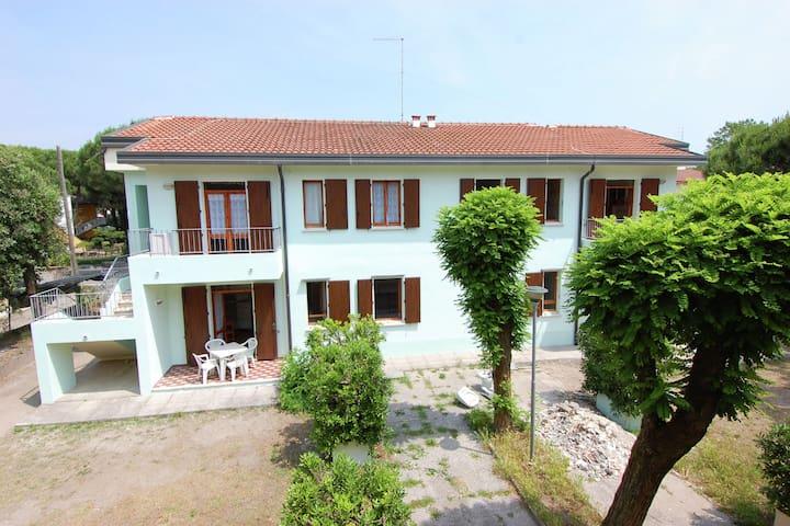 Exquisites Apartment in Rosolina Mare mit Garten