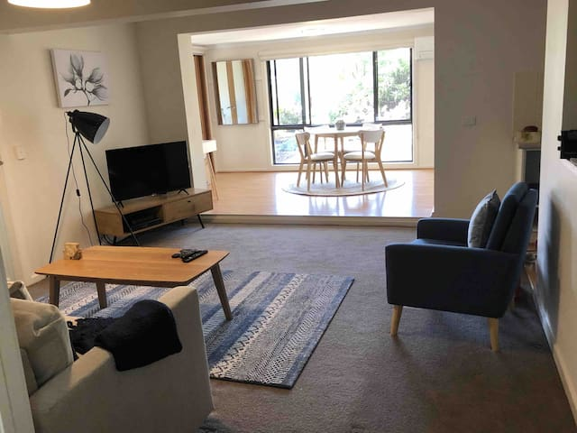 Mauna Kea - Lilydale  apartment with country feel